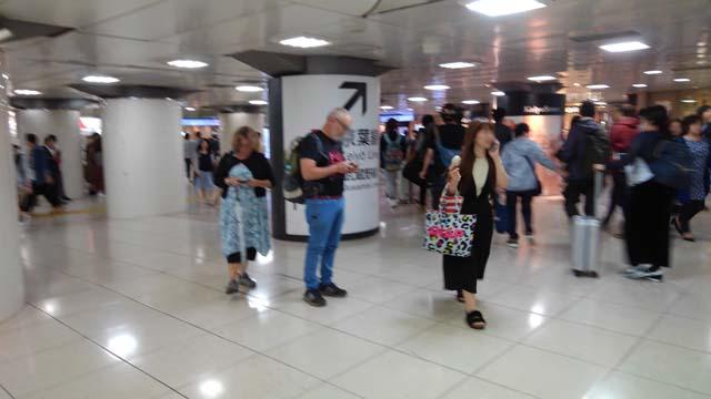 東京駅改札出た直後