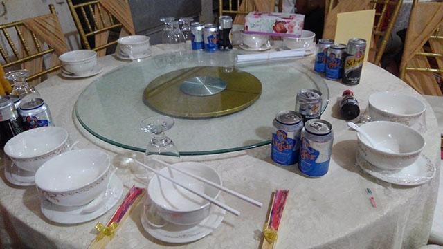 カンボジア 結婚式 披露宴 テーブル