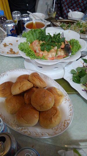 カンボジア パン